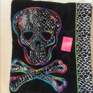 Betsy Johnson skull beach sheet towel
